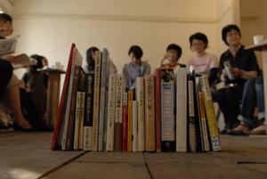 共通のテーマでも、参加者によって様々な本が集まりました