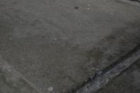 冷泉荘エントランスのコンクリート床